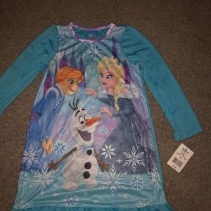 Frozen nightgown